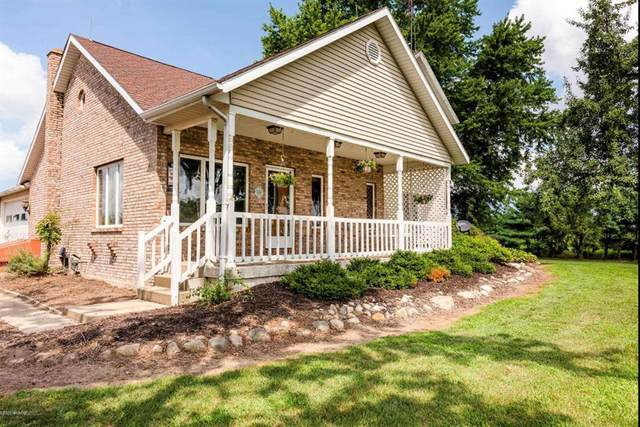 16318 Avery, Three Oaks Twp, MI 49128 (#72021107931) :: Robert E Smith Realty
