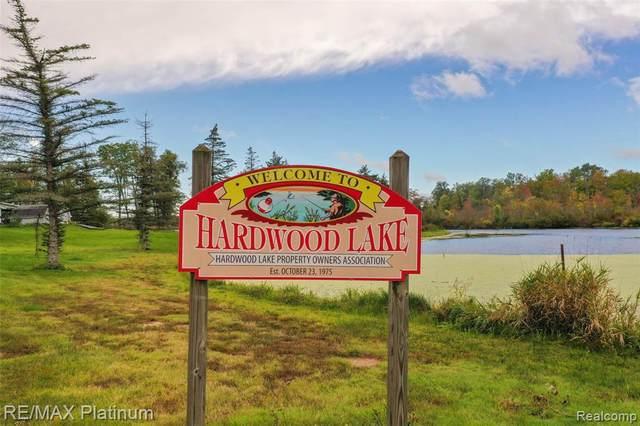 9 , 10 Hardwood Lake Retreat Drive, Richland Twp, MI 48756 (#2210081284) :: Robert E Smith Realty