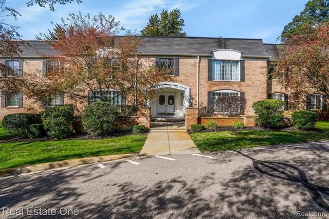 150 E Long Lake Road #13, Bloomfield Hills, MI 48304 (#2210082057) :: Robert E Smith Realty