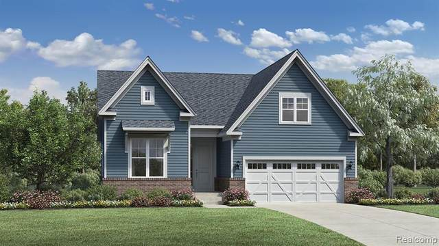 5561 Helmsdale Boulevard, West Bloomfield Twp, MI 48322 (#2210082439) :: National Realty Centers, Inc