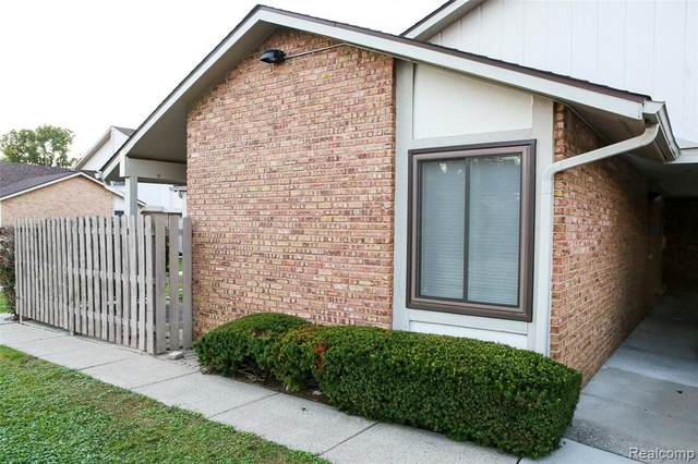36005 Saint Ives Court #19, Clinton Twp, MI 48035 (#2210082644) :: Real Estate For A CAUSE