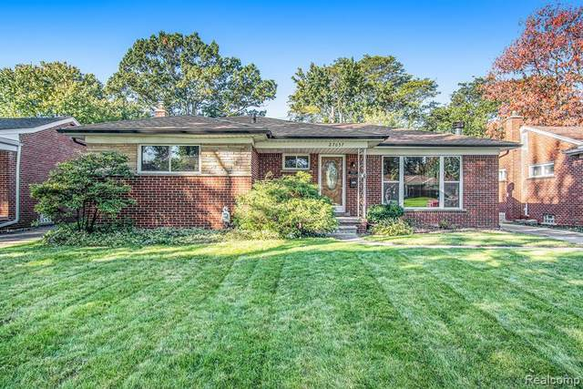 27657 Lorraine Avenue, Warren, MI 48093 (#2210083301) :: The Alex Nugent Team | Real Estate One