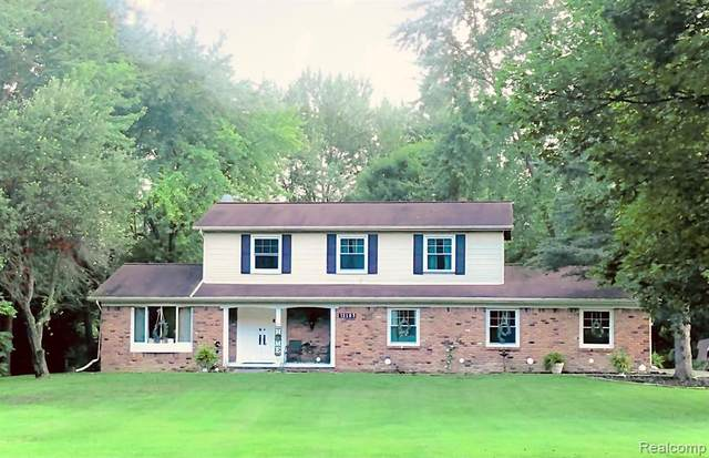 12105 Andersonville Road, Springfield Twp, MI 48350 (#2210083632) :: Robert E Smith Realty