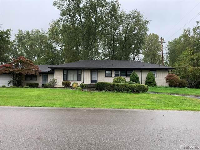 30897 Pembroke, Livonia, MI 48152 (#2210083792) :: National Realty Centers, Inc