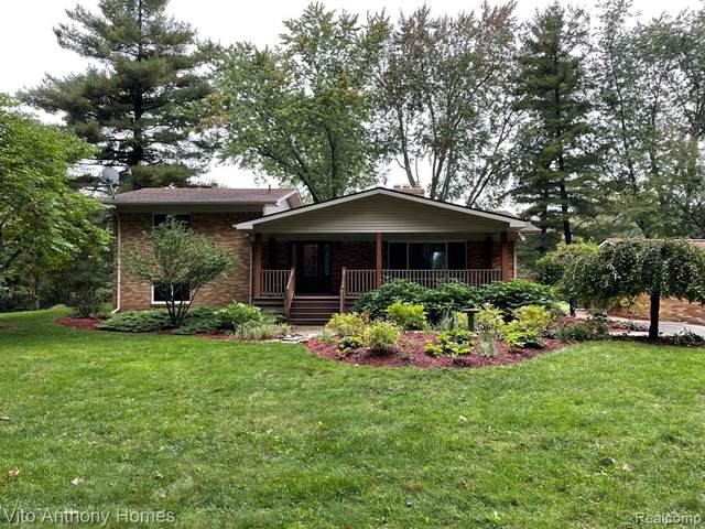 5960 Paramus, Independence Twp, MI 48346 (#2210083836) :: National Realty Centers, Inc