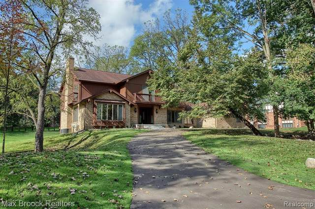 2295 Chestnut Drive, Bloomfield Hills, MI 48304 (#2210084556) :: Robert E Smith Realty