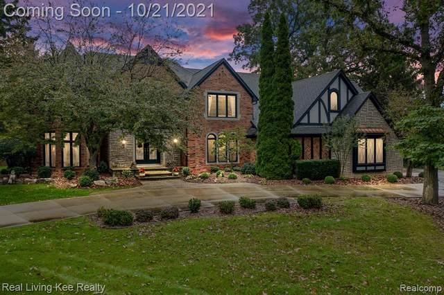 5901 Murfield Drive, Rochester, MI 48306 (#2210085306) :: GK Real Estate Team