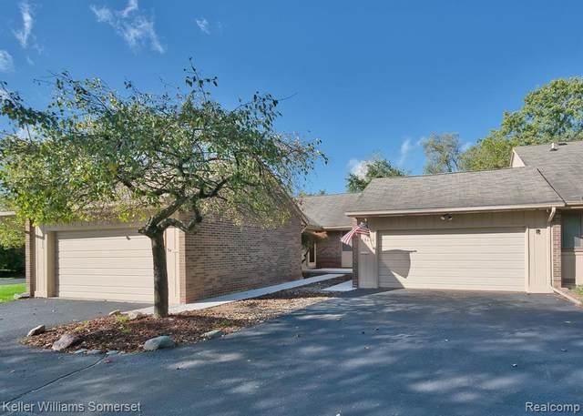 35630 Heritage Lane, Farmington, MI 48335 (#2210085826) :: Real Estate For A CAUSE