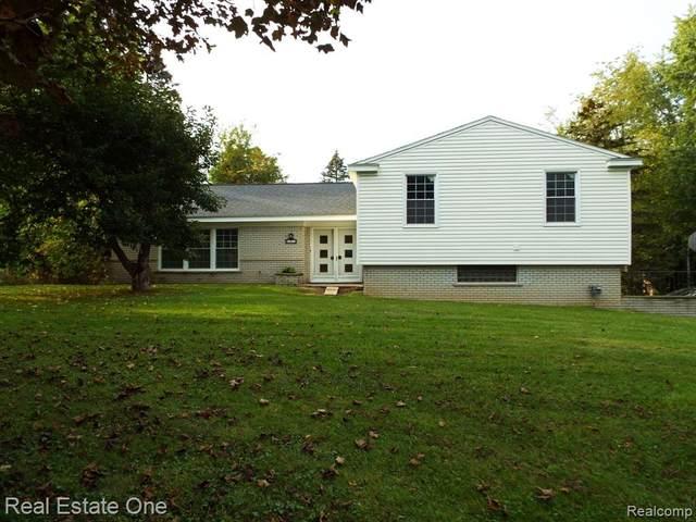 21371 Stanstead Road, Northville, MI 48167 (#2210085898) :: GK Real Estate Team