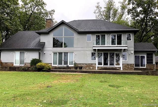 7506 Base Lake Road, Webster Twp, MI 48130 (#2210086006) :: Duneske Real Estate Advisors