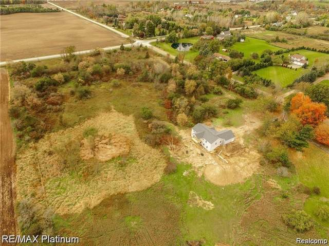 334 E Allen Road, Howell Twp, MI 48855 (#2210086045) :: Real Estate For A CAUSE