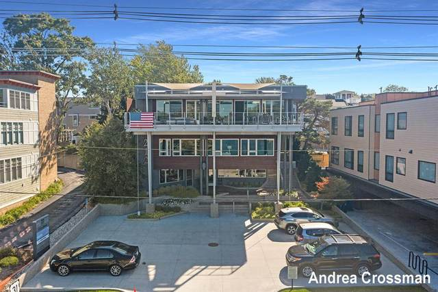 212 S Harbor Drive, Grand Haven, MI 49417 (#71021110430) :: National Realty Centers, Inc