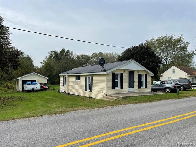 6079 N Stoney Creek Road, Frenchtown Twp, MI 48162 (#2210086185) :: National Realty Centers, Inc
