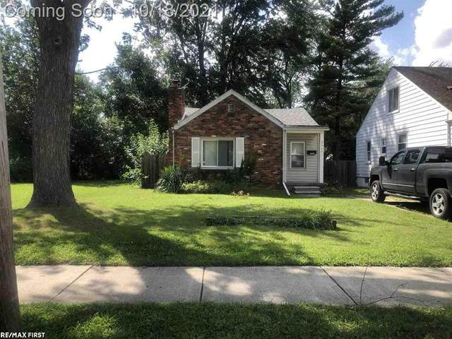 26601 Hampden, Madison Heights, MI 48071 (#58050057815) :: Robert E Smith Realty