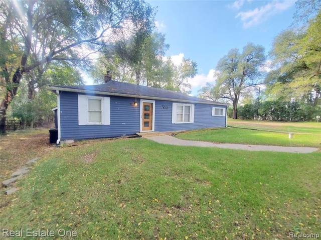 8054 Ortonville Road, Independence Twp, MI 48348 (#2210086382) :: National Realty Centers, Inc