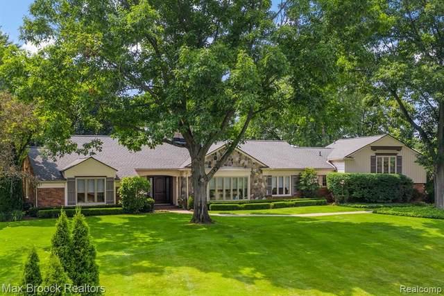 711 Kennebec Court, Bloomfield Hills, MI 48304 (#2210086448) :: Robert E Smith Realty