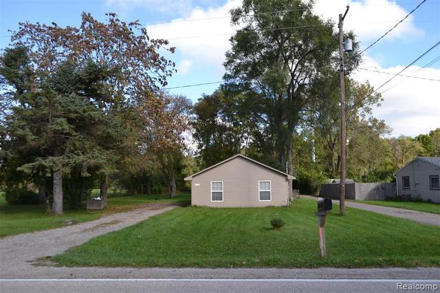 3323 E Pierson Road, Genesee Twp, MI 48506 (#2210086485) :: Robert E Smith Realty