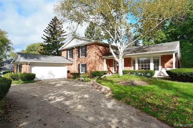 1654 Bracken Rd, Bloomfield Hills, MI 48302 (#2210086760) :: Robert E Smith Realty