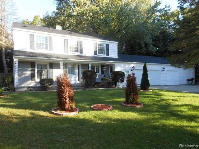 3144 Westhaven Drive, Port Huron Twp, MI 48060 (#2210087092) :: Duneske Real Estate Advisors