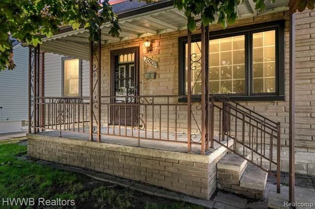 20900 Bon Heur Street, Saint Clair Shores, MI 48081 (#2210087418) :: The Alex Nugent Team | Real Estate One
