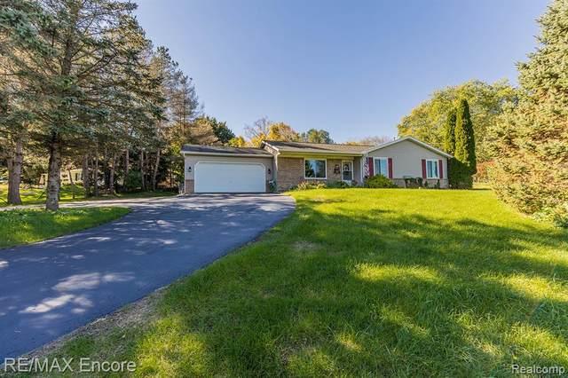 811 N Ortonville Road, Groveland Twp, MI 48462 (#2210087650) :: Duneske Real Estate Advisors