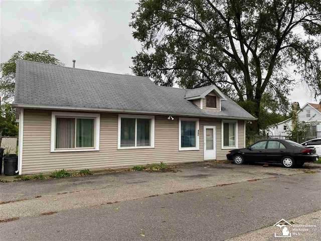 8341 Memorial Hwy, Whiteford Twp, MI 49267 (#57050058386) :: Duneske Real Estate Advisors