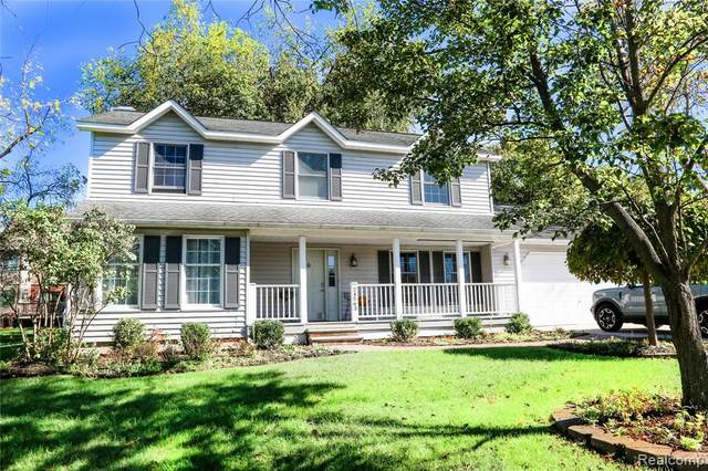 24563 Halley Crescent, Grosse Ile Twp, MI 48138 (#2210088061) :: National Realty Centers, Inc