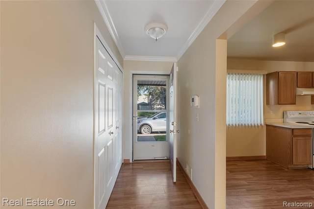 26313 Franklin Pointe Drive, Southfield, MI 48034 (#2210088126) :: Real Estate For A CAUSE