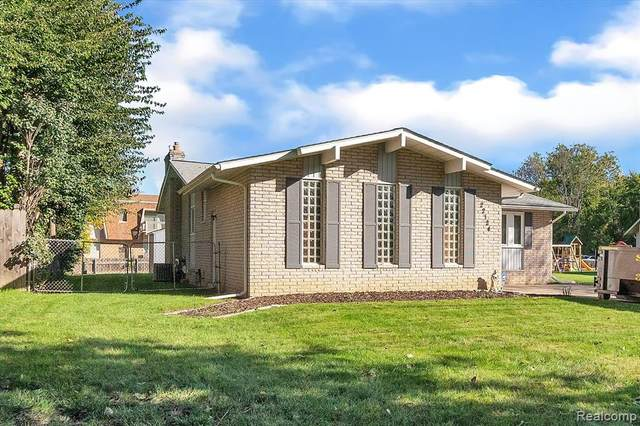 22124 Old Forge Court, Woodhaven, MI 48183 (#2210088176) :: BestMichiganHouses.com