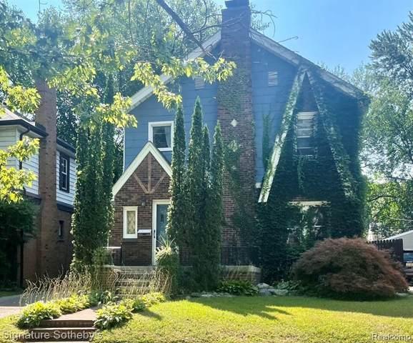 2420 Tufts Avenue, Royal Oak, MI 48067 (#2210088244) :: Alan Brown Group