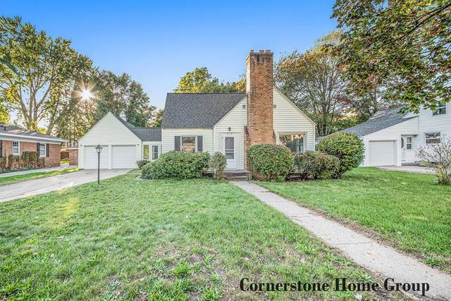 215 S Lake Avenue, Spring Lake Twp, MI 49456 (#65021111617) :: National Realty Centers, Inc