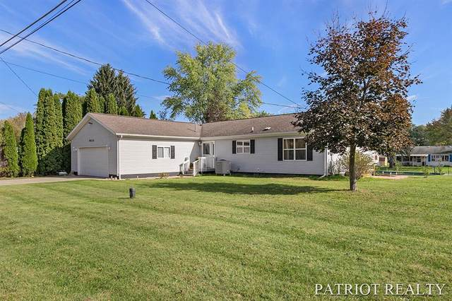 9820 S Clearwater Street, Grant Twp-Newaygo, MI 49327 (#65021111643) :: Real Estate For A CAUSE