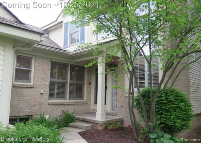 7315 Simsbury Drive, West Bloomfield Twp, MI 48322 (#2210088473) :: National Realty Centers, Inc