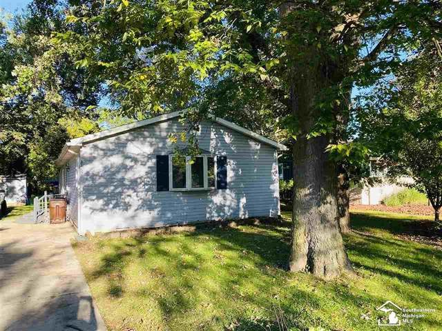 3457 Tippecanoe, Frenchtown Twp, MI 48162 (#57050058607) :: The Alex Nugent Team | Real Estate One