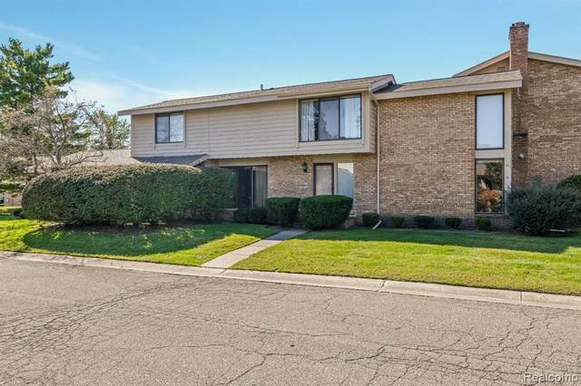 7102 Pebble Park Drive, West Bloomfield Twp, MI 48322 (#2210088846) :: Real Estate For A CAUSE