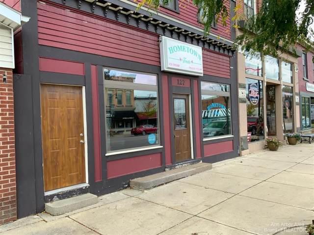 127 W Michigan Avenue, Clinton Vlg, MI 49236 (#543284623) :: The Mulvihill Group