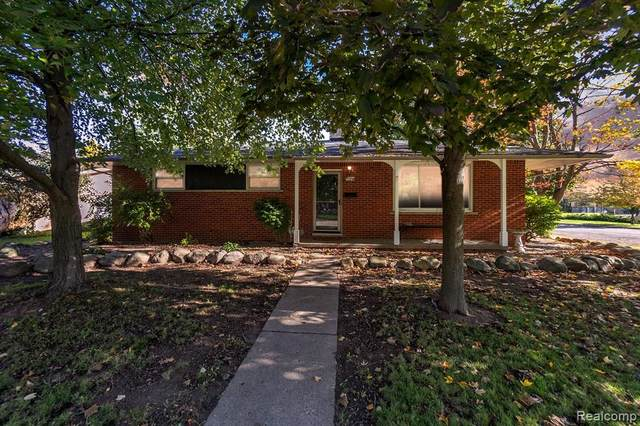 1179 Outer Drive, Fenton, MI 48430 (#2210089190) :: Real Estate For A CAUSE