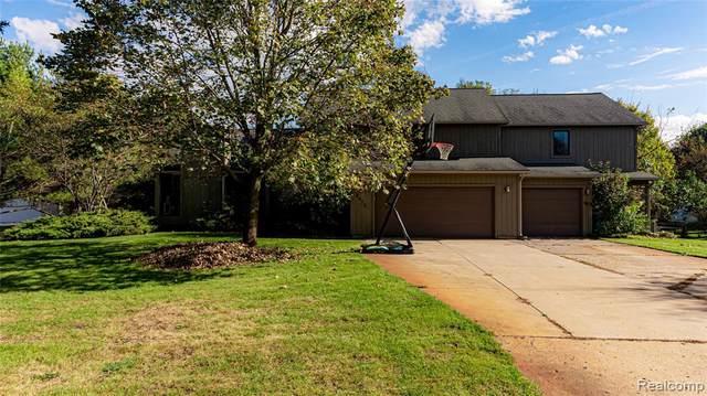 9973 Timothy Lane, Green Oak Twp, MI 48178 (#2210089192) :: Real Estate For A CAUSE