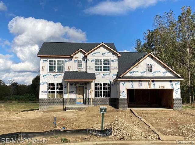 202 Copper Ridge Ct, Commerce Twp, MI 48390 (#2210089243) :: Real Estate For A CAUSE