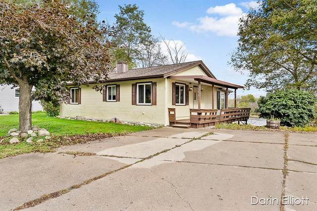 302 S Higbee Street, LYONS VLG-LYONS TWP, MI 48851 (#65021112187) :: Real Estate For A CAUSE
