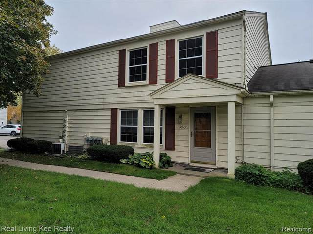 2814 Willow Court, Orion Twp, MI 48360 (#2210089356) :: The BK Agency