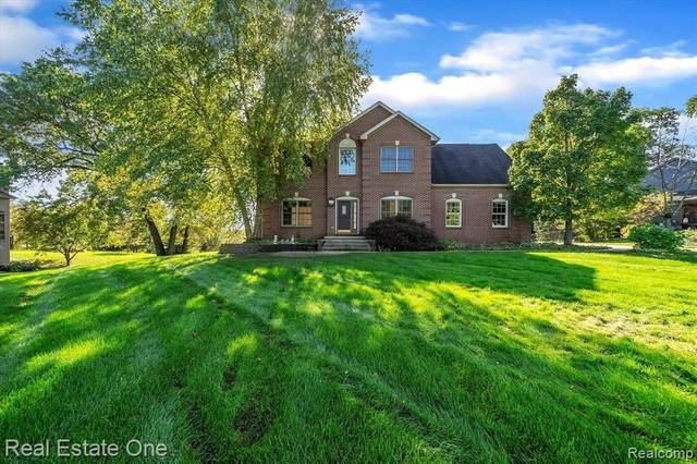 4402 Lily Drive, Oceola Twp, MI 48843 (#2210089413) :: Duneske Real Estate Advisors