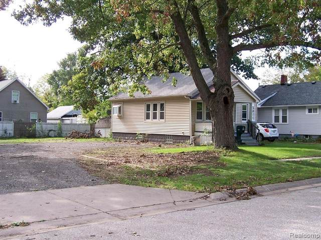 3004 Sturges Street, Port Huron, MI 48060 (#2210089665) :: Real Estate For A CAUSE