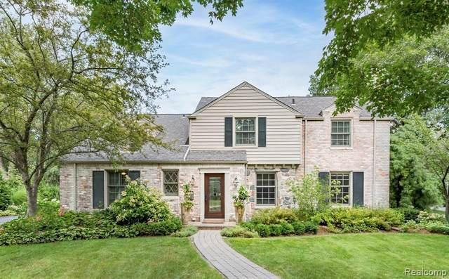 454 Yarmouth Road, Bloomfield Twp, MI 48301 (#2210089892) :: The Mulvihill Group