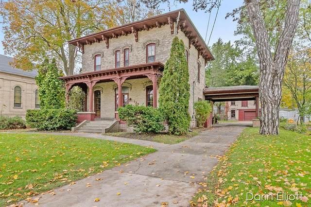 138 E Washington Street, Ionia, MI 48846 (#65021112499) :: Real Estate For A CAUSE