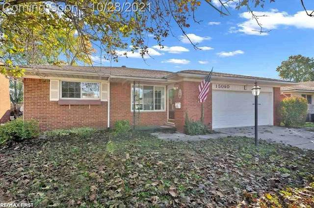 15060 Knolson, Livonia, MI 48154 (#58050059125) :: Real Estate For A CAUSE
