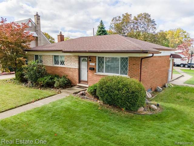 29375 Fairfield Drive, Warren, MI 48088 (#2210090289) :: Real Estate For A CAUSE