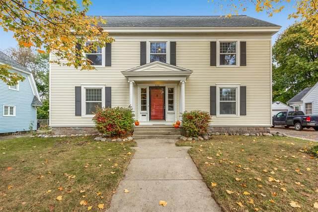 322 E Washington Street, Belding, MI 48809 (#72021112638) :: Real Estate For A CAUSE