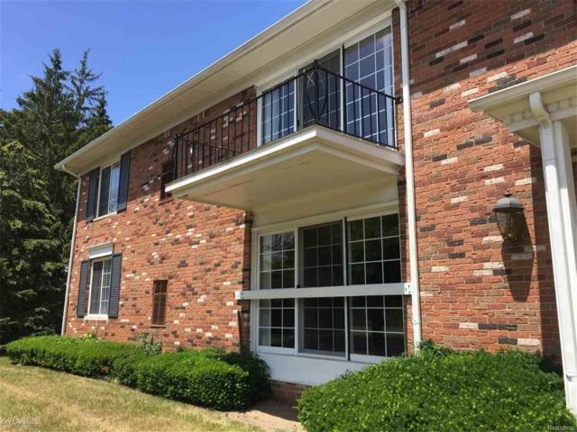 451 S Fox Hills Dr Unit #1, Bloomfield Twp, MI 48304 (#58031333346) :: Simon Thomas Homes