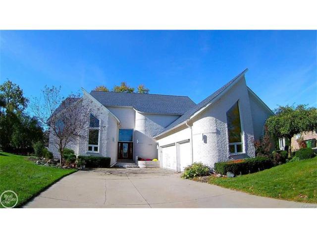 47939 W Fox Chase, Shelby Twp, MI 48315 (#58031333443) :: Simon Thomas Homes
